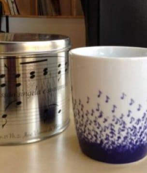 Cadeaux - Musique - Taza azul y blanca con caja - Accessoire - di-arezzo.es